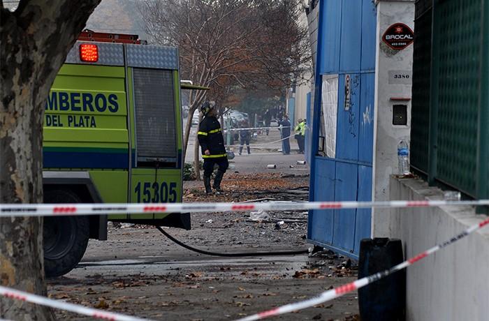 INCENDIO CAROMAR MAÑANA (4) BOMBEROS