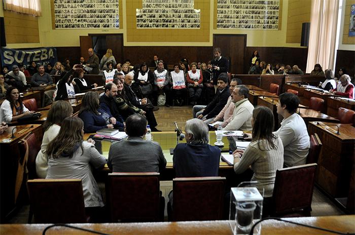 Educación: demoran la comisión para controlar los fondos