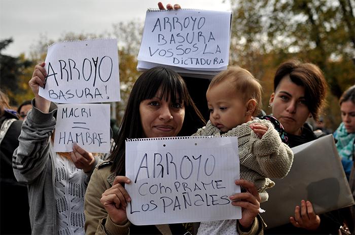 Feriantes denuncian que los quieren desalojar de Plaza Rocha