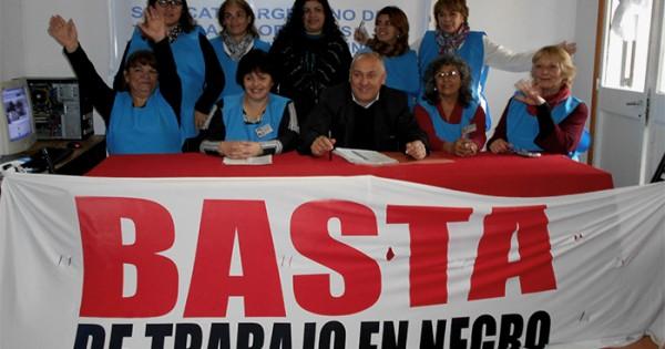 Trabajadores textiles a domicilio formaron un sindicato