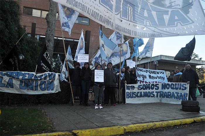OSSE: una protesta por la continuidad laboral y los pagos adeudados