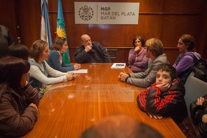 Escuela Oral: Arroyo prometió gestiones ante la Provincia