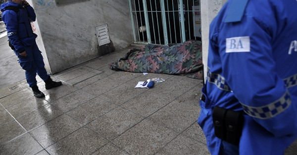"""Morir en la calle: """"Da vergüenza el gobierno culpando a las víctimas"""""""