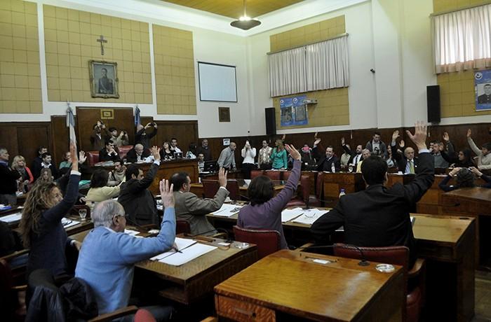 NI UNA MENOS HCD CONCEJO VIOLENCIA DE GENERO MUJER EMERGENCIA  (4)