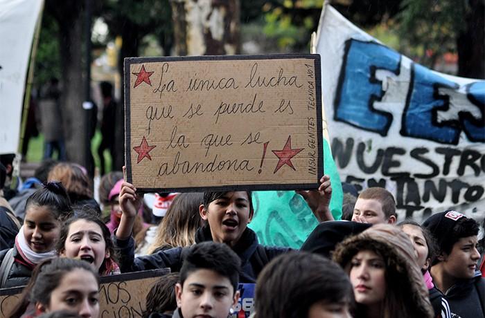 RECLAMO ESTUDIANTES MARCHA 3