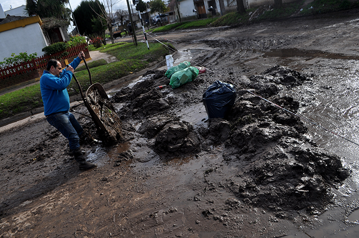El Progreso: tras la inundación, el Municipio no ayuda