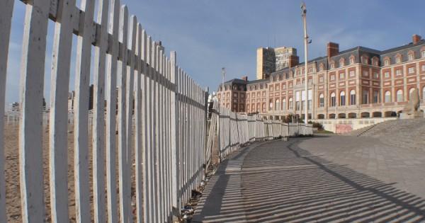 Reclaman que Aldrey Iglesias libere el acceso a las playas