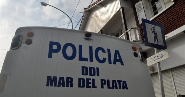 Robo, armas de fuego y allanamientos: dos detenidos