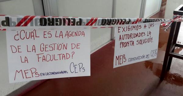 """Gotera de orina en Psicología: """"Nos mean desde arriba"""""""