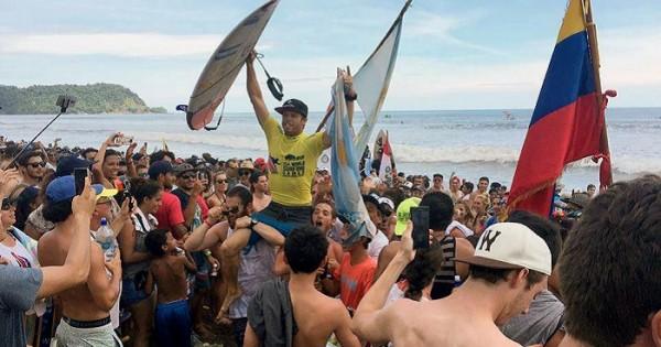 Usuna, campeón mundial de surf