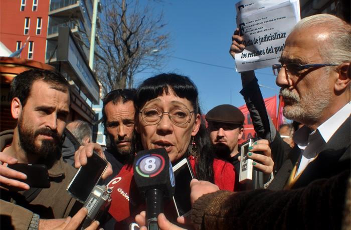 VOTAMOS LUCHAR PROTESTA JUEZ LOPEZ CORREPI INCIDENTES MACRI  (10) verdu