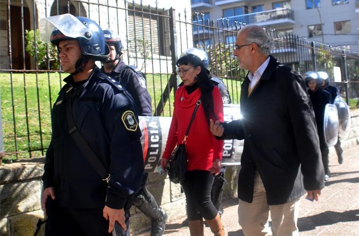 VOTAMOS LUCHAR PROTESTA JUEZ LOPEZ CORREPI INCIDENTES MACRI  (14)