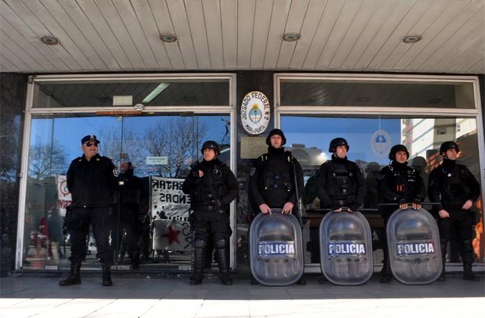 VOTAMOS LUCHAR PROTESTA JUEZ LOPEZ CORREPI INCIDENTES MACRI  (4)