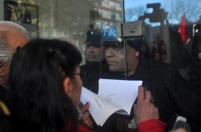 VOTAMOS LUCHAR PROTESTA JUEZ LOPEZ CORREPI INCIDENTES MACRI  (9)