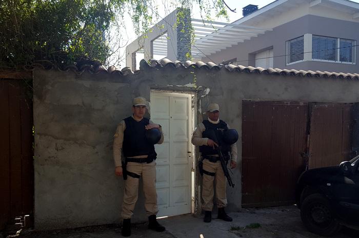 Detuvieron a dos hombres con cocaína y marihuana