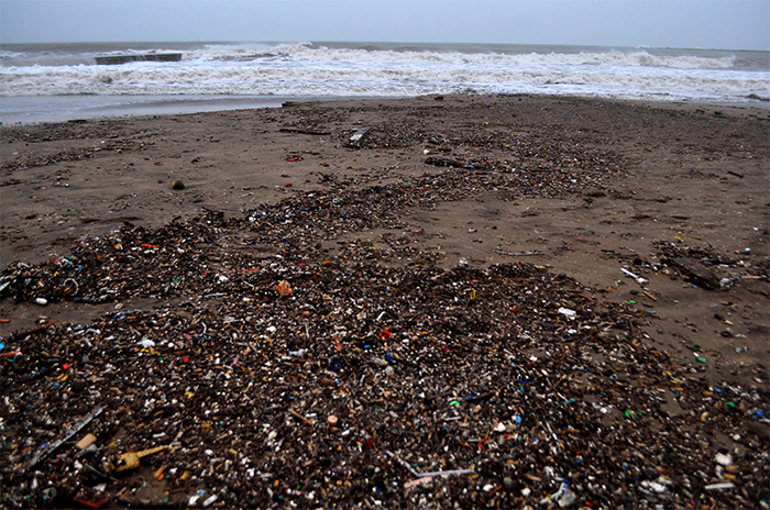 """""""No existe una playa que no esté contaminada"""""""