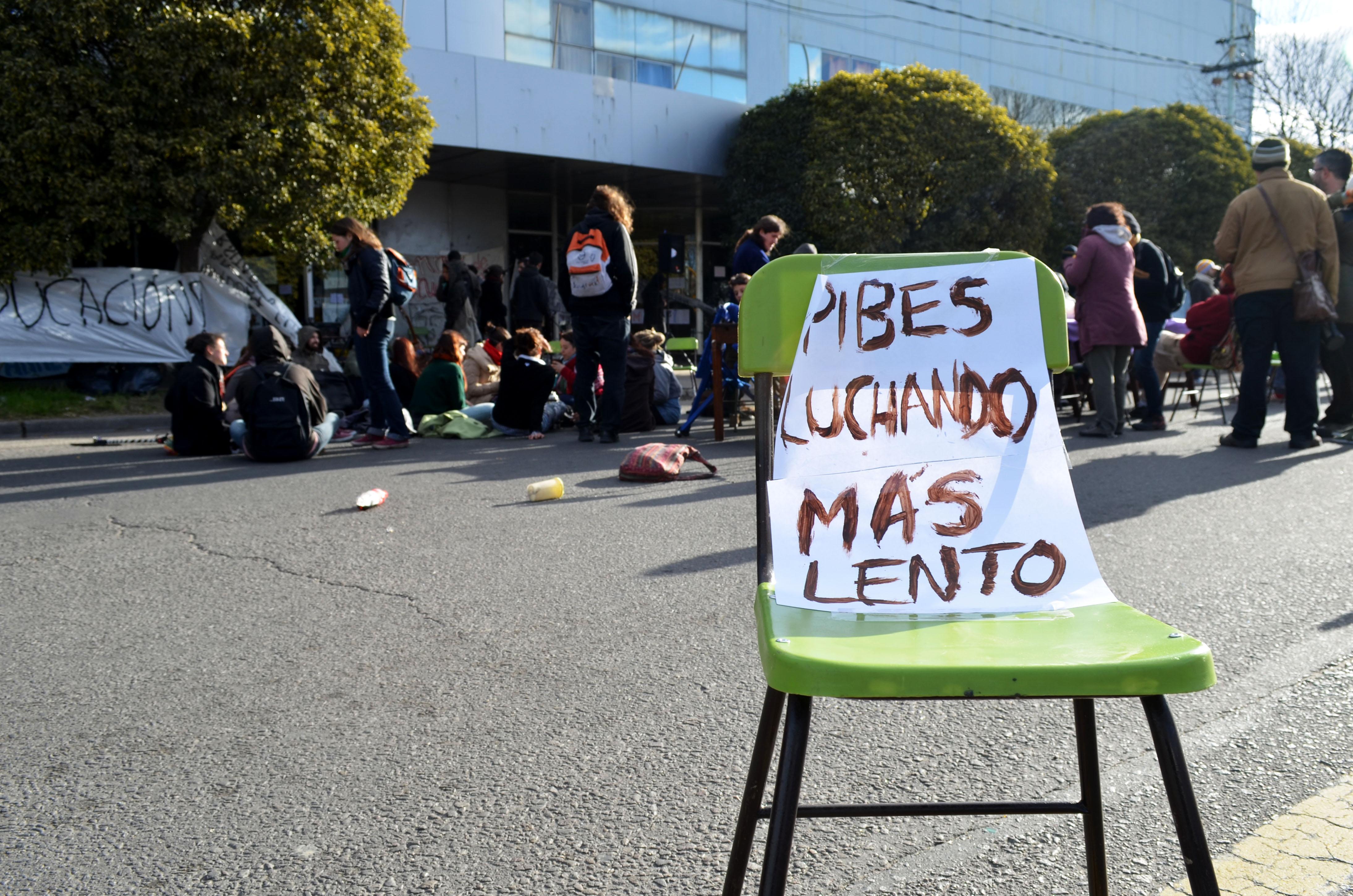 """Consejo Escolar: """"No invierten en educación, hacen oídos sordos"""""""
