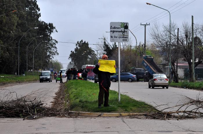 Una protesta por los cortes de servicios en los barrios