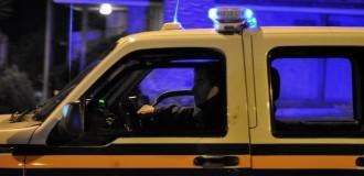 Detienen a una policía por disparar en la vía pública