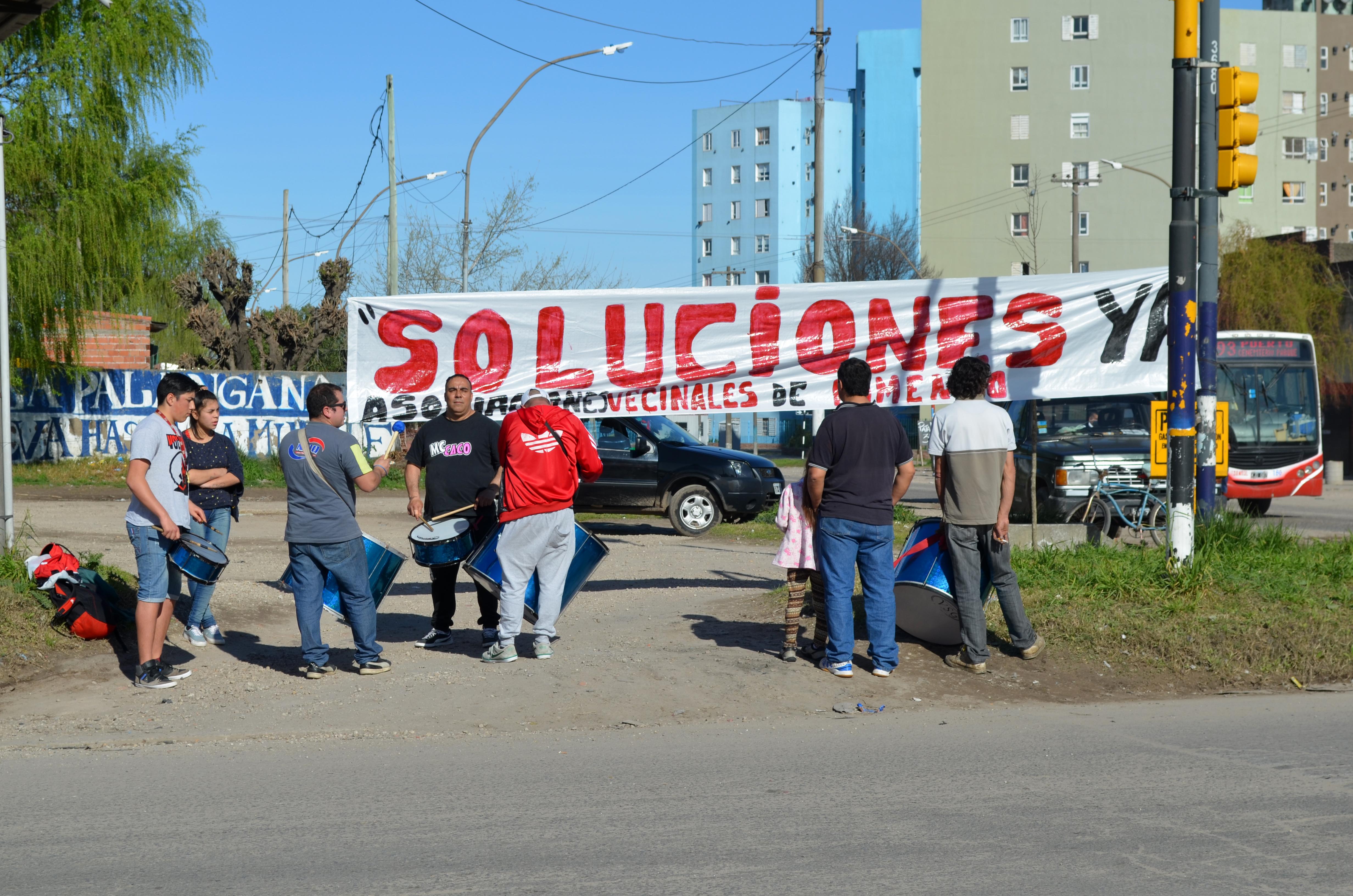 """Fomentistas: cinco cortes de calle por el """"abandono"""" en los barrios"""