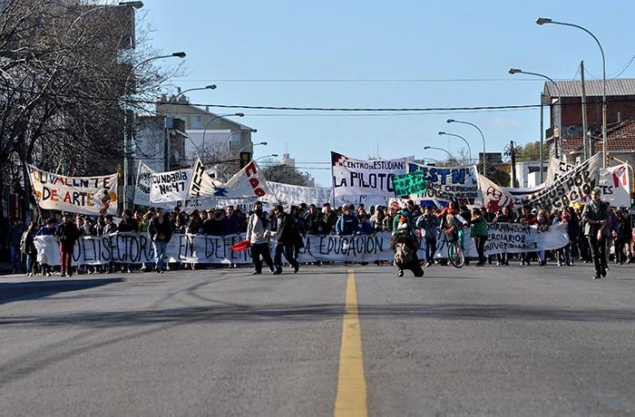 RECLAMO MARCHA PROTESTA ESTUDIANTES (2)