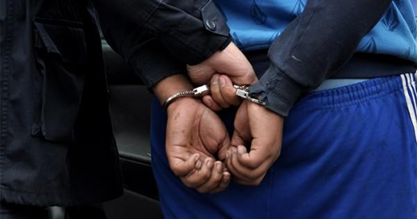 Detienen a acusado de violar a su hijo de 10 años e hijastro de 14