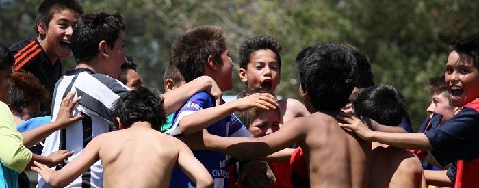 Fútbol Barrial: Emder dejó a los campeones sin copa ni medalla