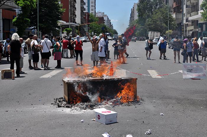 Suba del boleto: el gobierno salió a repudiar los incidentes