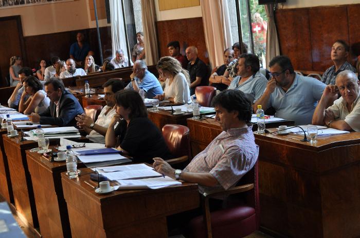 Por mayoría, el Concejo autorizó la suba de tasas municipales