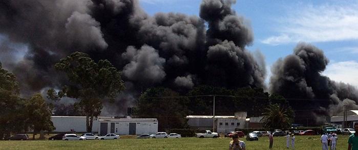 Importante incendio en el Parque Industrial