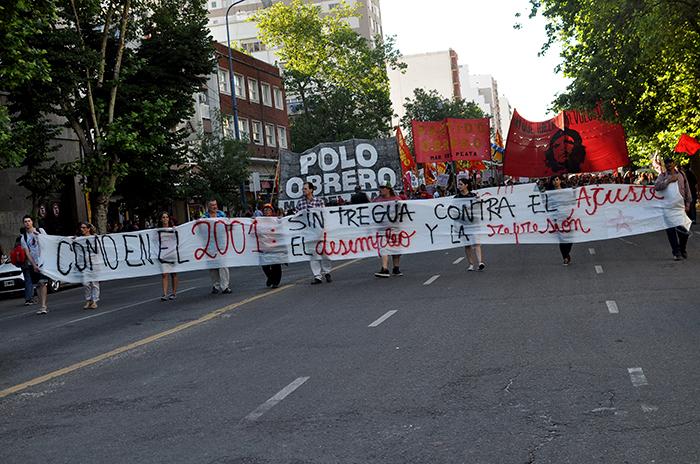 """La izquierda, a 15 años del argentinazo: """"Que se vayan todos"""""""
