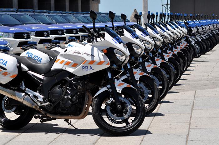 El ministro Ritondo trae 40 motos más para reforzar el CPC