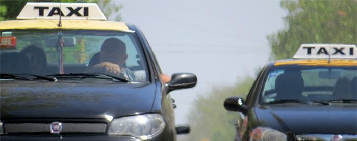 Aumento de taxi: bajada de bandera a $27,60 y ficha a $2,30