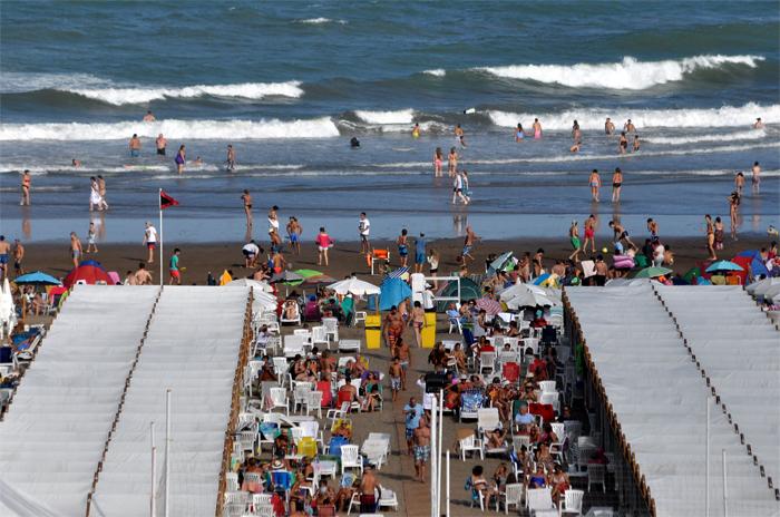 Privados de arena: se viene la primera sombrilleada del verano