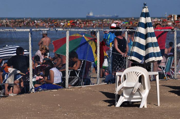 """Playas públicas: """"Los balnearios ocupan siempre el mismo lugar"""""""