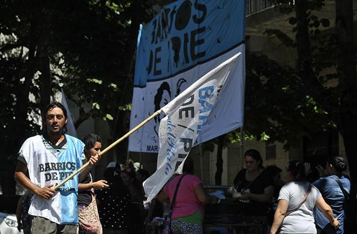 BARRIOS DE PIE 02
