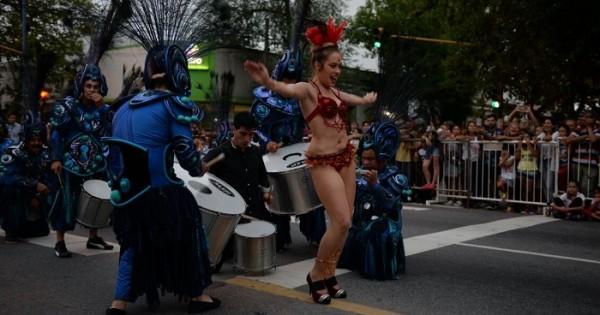 Cierre de los Carnavales 2017: el Gran Corso inundó las calles