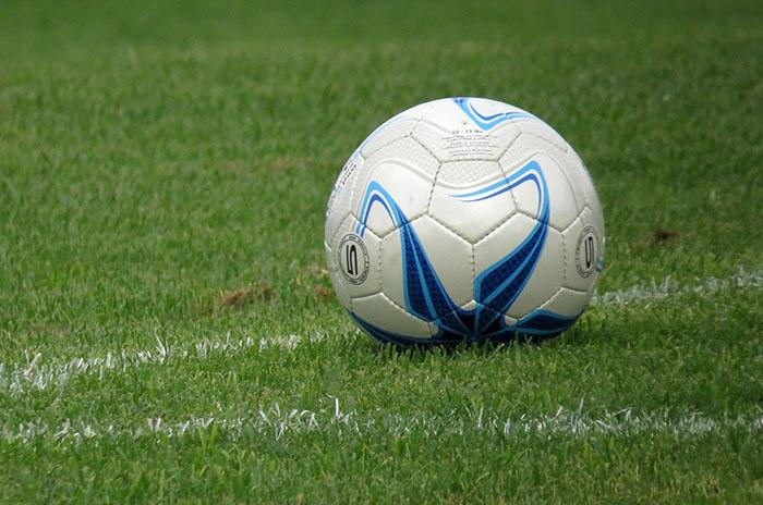 Fútbol solidario en el Náutico