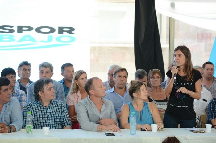 Raverta fue una de las oradoras en el acto por la unidad del peronismo