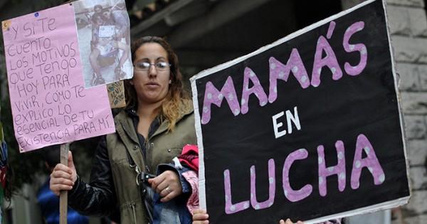 Las Mamás en lucha y una delicada situación: sin leche ni pañales