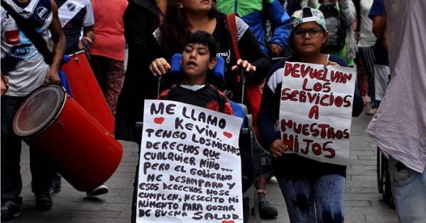 """Incluir Salud: """"Este gobierno hace abandono de persona"""""""
