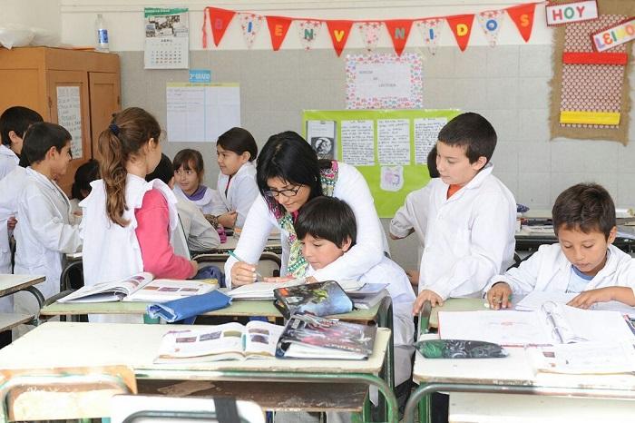 """""""Mi Parte por la Educación"""", el programa para los """"voluntarios"""""""