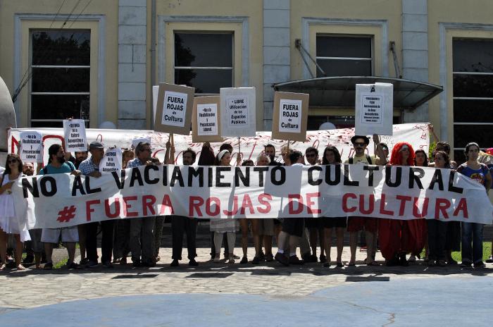 """Otra protesta contra Rojas y el """"vaciamiento cultural"""""""