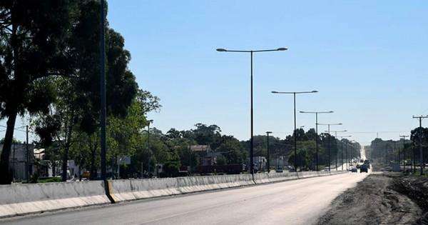 """Ruta 88: instalarán 6 semáforos con cruce peatonal en el """"muro"""""""