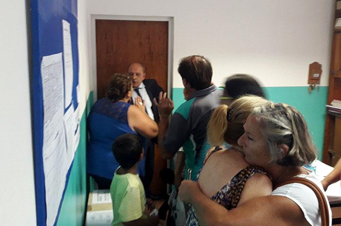 """Escuela 205: CGT y CTA, contra el """"atroz ataque"""" de Arroyo"""