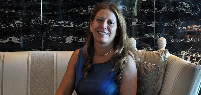 """Viviana Rivero presenta su libro """"Zafiros en la piel"""""""