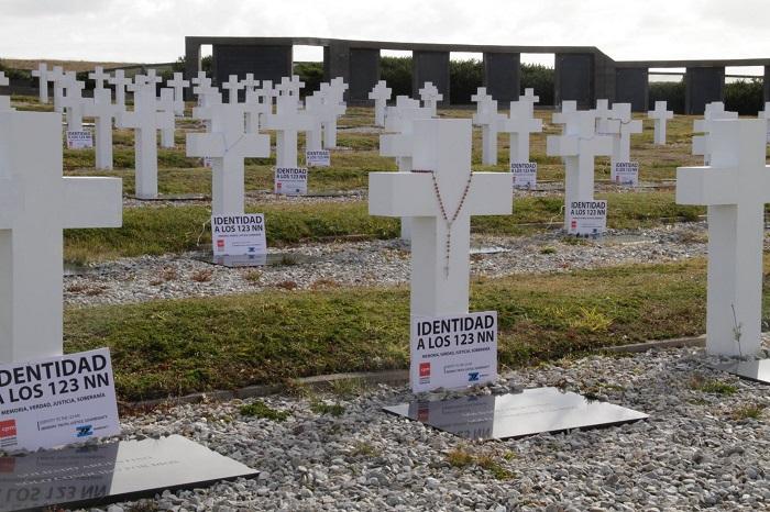 """Caídos en Malvinas: """"Saber qué pasó es una deuda pendiente"""""""