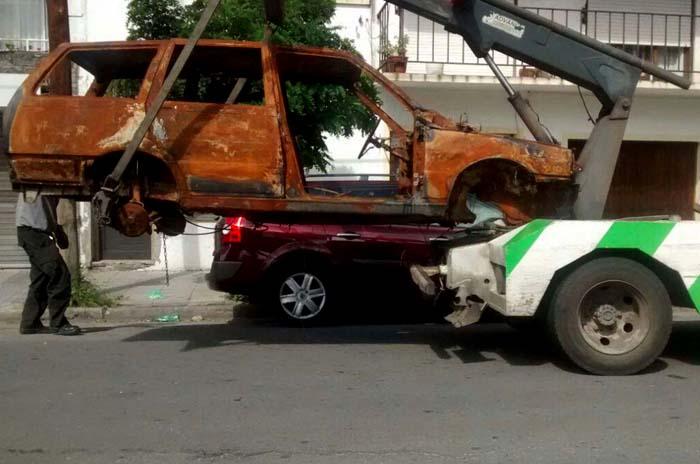 En una semana retiraron cinco autos abandonados en la calle