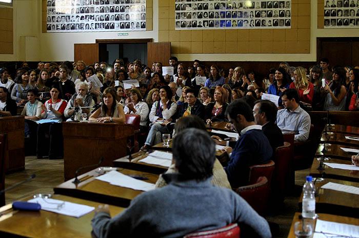 Duras críticas durante la sesión contra Ana María Crovetto