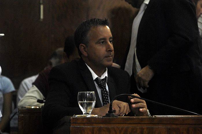 """""""Los anuncios de Arroyo son un vaso de agua en un mar de no gestión"""""""